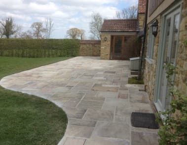 Curved Patio Landscape