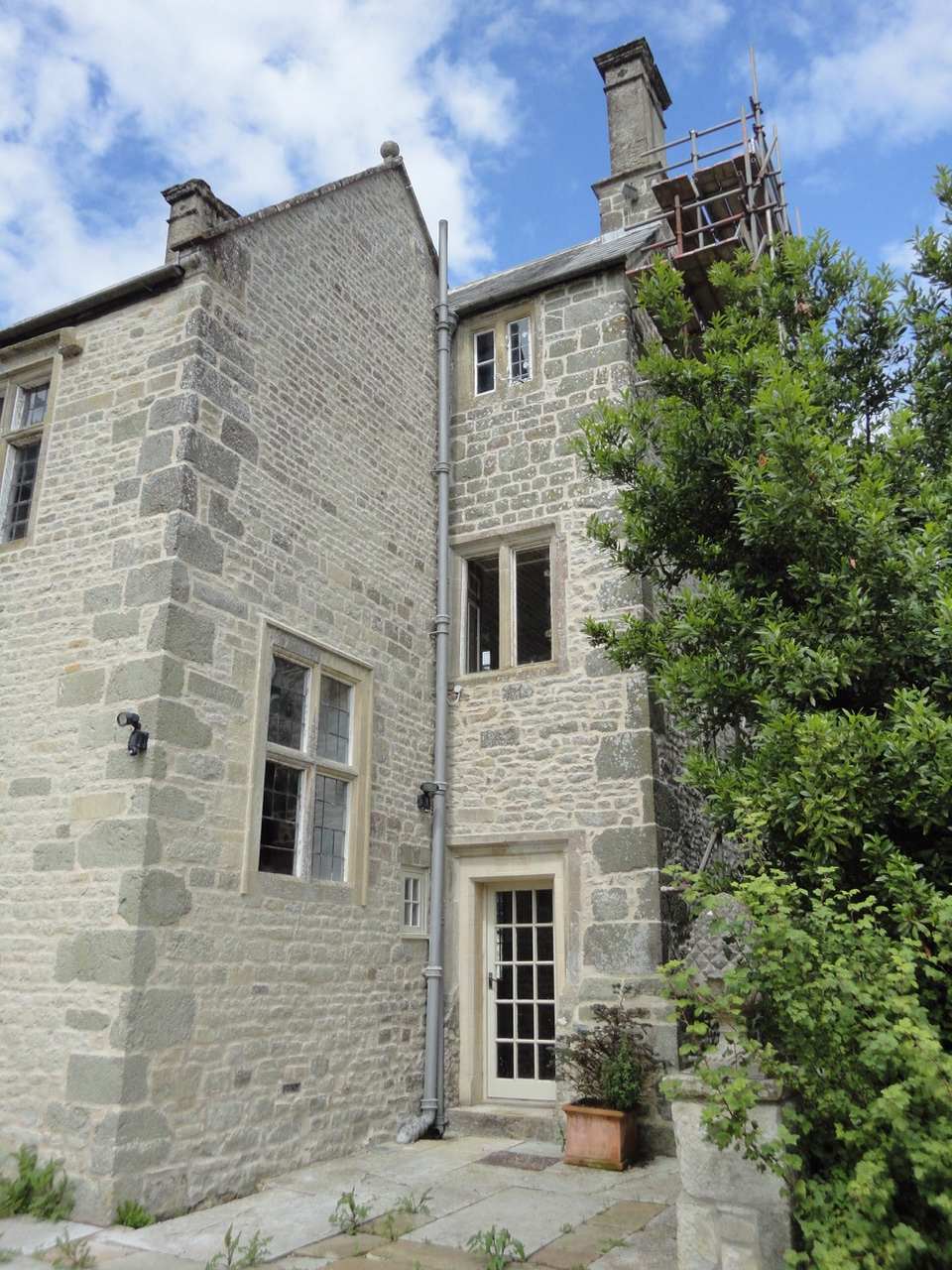 wiltshire-building